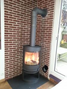 faut il une arriv e d 39 air pour mon po le chauffage au bois. Black Bedroom Furniture Sets. Home Design Ideas