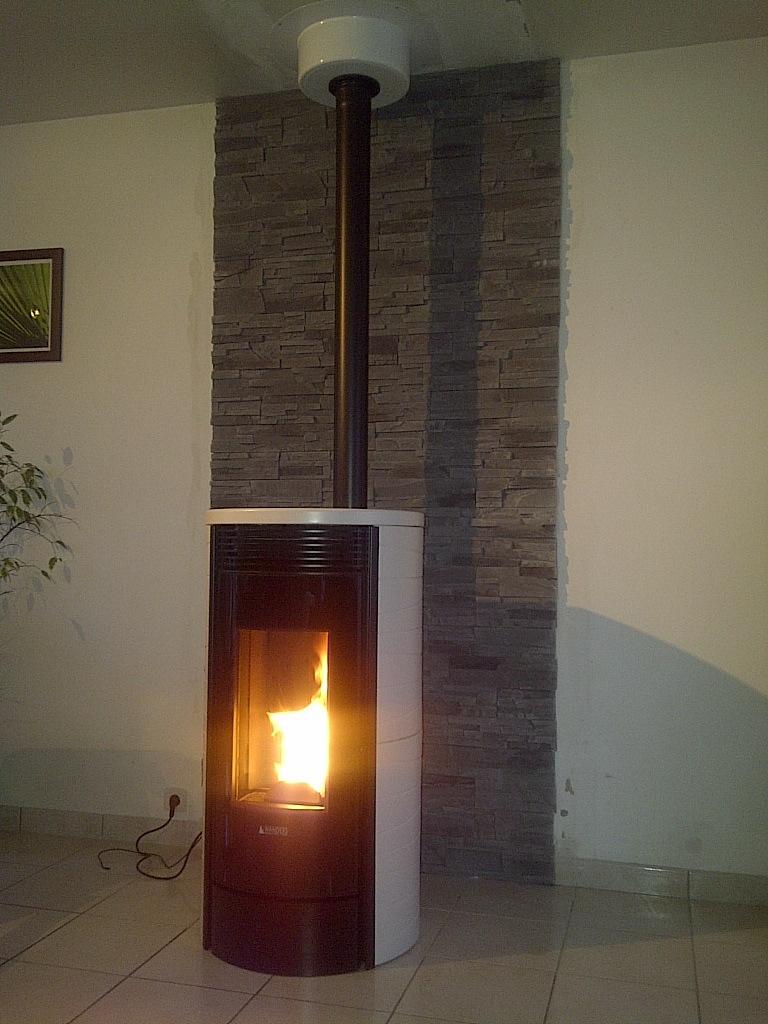 Comment Installer Un Poele A Granule Dans Une Cheminee comment fonctionne un poêle à granulés | chauffage au bois